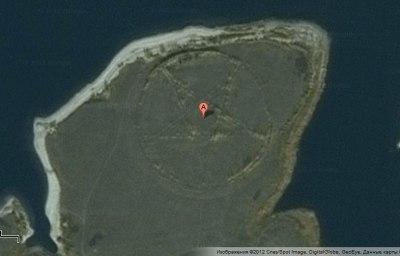 1) Заходим в карты Google и выбираем вид со спутника 2) Вбиваем