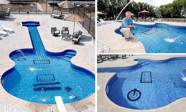 Бассейн в форме гитары.