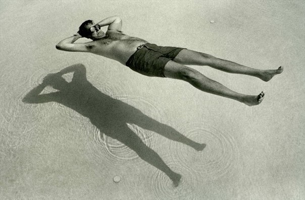 Человек на воде.