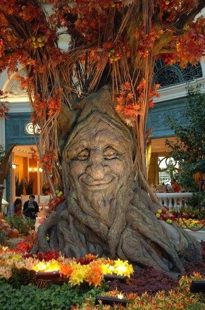 Дерево в гостинице Белладжио Лас-Вегас, США
