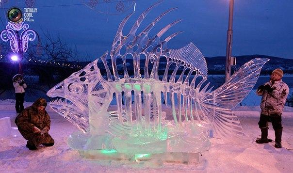 Фестиваль «Волшебный лед Сибири» в Красноярске, Россия.