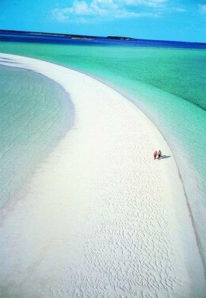 Красивый пляж!
