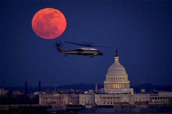 Кровавая луна над Вашингтоном