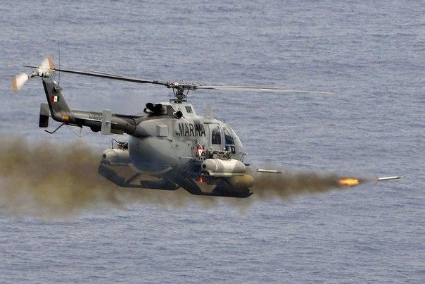 Момент запуска ракет вертолета