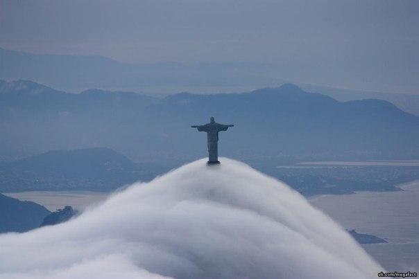 Облака над Рио-де-Жанейро.