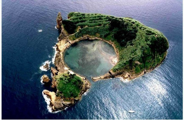 Островок Vila Franca do Campo, Португалия