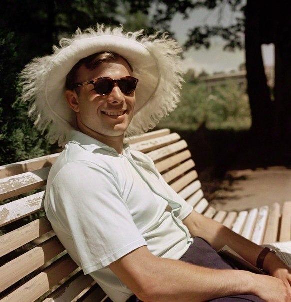 Первый человек в космосе - Юрий Гагарин, на отдыхе в Крыму,