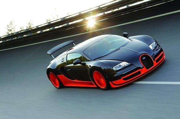 Поправочка. Самой быстрой машиной является Bugatti Veyron Super Sport.