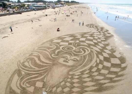 Рисунок на песке.