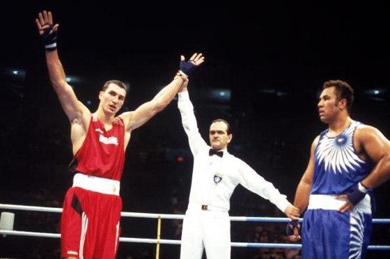 В 1996 году Владимир Кличко получил золотую олимпийскую мед