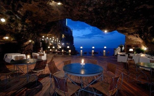 В итальянском курортном городке Полиньяно-а-Маре есть уни
