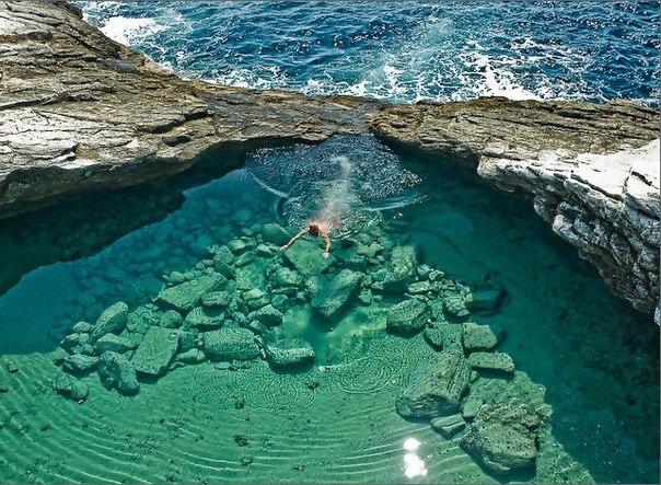 Уединенная лагуна под названием Гиола.Остров Тассос, Грец