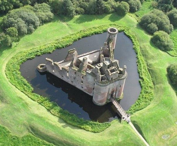 Замок в Великобритании.