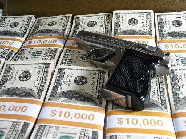 Значит так, беру я кредит в банке 1 миллиард $, покупаю этот банк, разрешаю себе не отдавать кредит, и всё